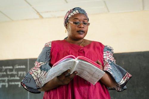 Moedertaalcurriculum om de geletterdheid in Niger te verbeteren